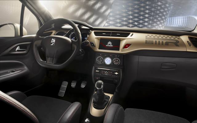 citroen-ds3-gold-mat (1)
