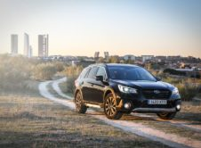 Subaru Outback Black Edition (1)