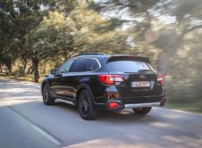 Subaru Outback Black Edition (4)